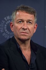 266px-sean_pertwee_at_ny_paleyfest_2014_for_gotham
