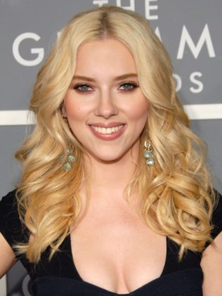 hair-ideas-2012-02-scarlett-johansson-2007-buttery-blonde