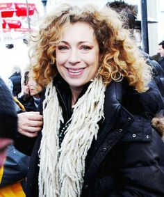 426895be7cd3254e152d87046cf41427-alex-kingston-river-song