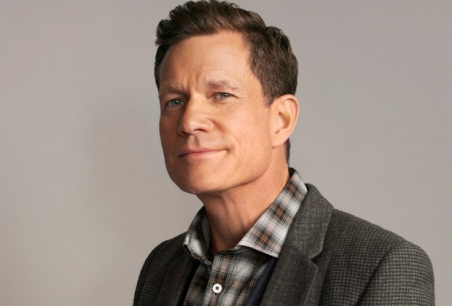 Life Sentence -- Image Number: LFS1_Dylan_012.jpg -- Pictured: Dylan Walsh as Peter -- Photo: March Hom/The CW -- © 2018 The CW Network, LLC. All Rights Reserved.